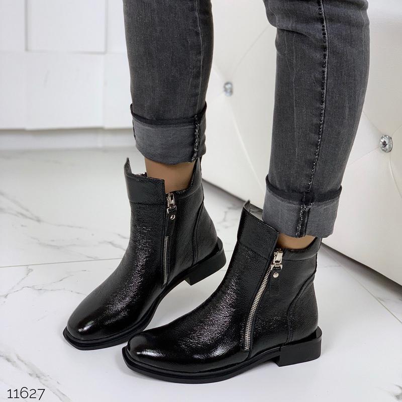 Шикарные ботиночки зима из натуральной лаковой кожи