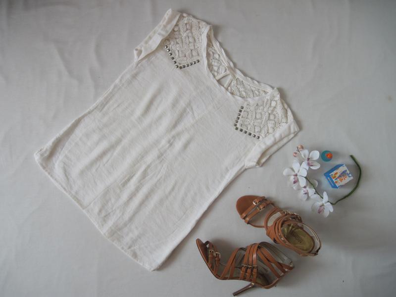Блуза zara цвета ivory с кружевом
