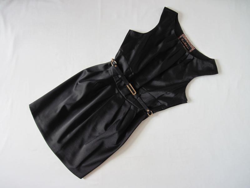Черное платье офисное юбка тюльпан без рукавов плотная ткань