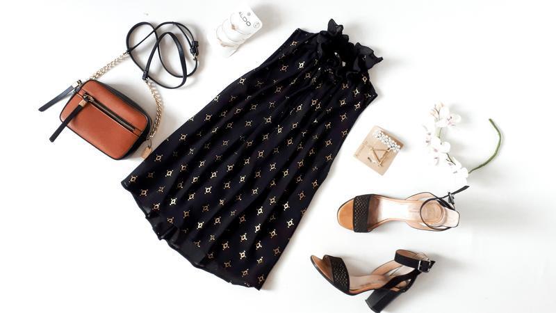Черная блуза h&m с крутым горлышком золотистый мелкий принт бл...