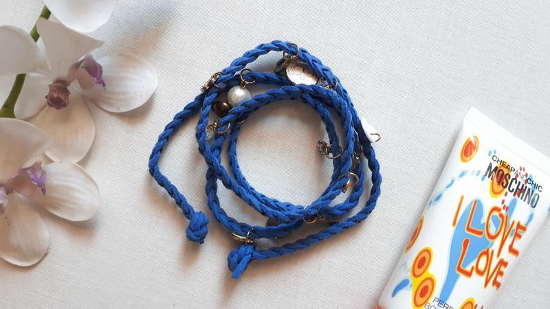 Синий браслет с подвесками плетение косичкой обворачивается не...