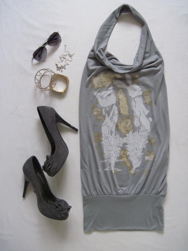 Серое женское платье туника Kira Plastinina с котом и зайчиком