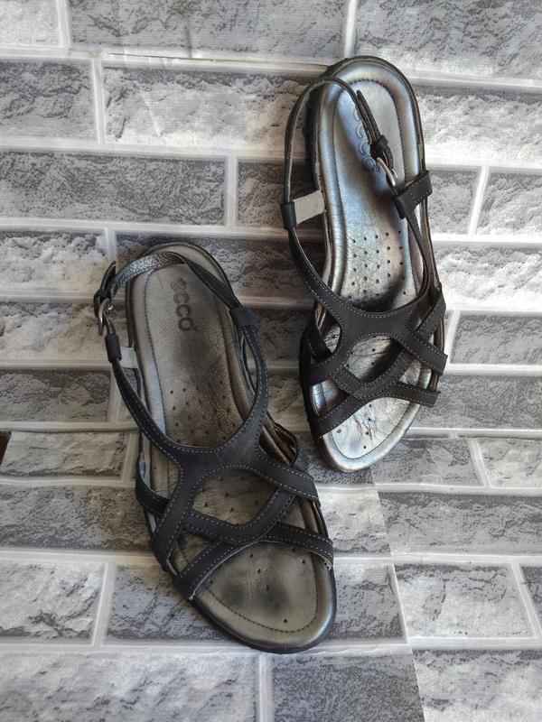 Ecco оригинальные кожаные босоножки 41