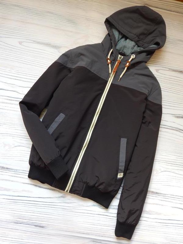 Бомбезная, стильная легкая мужская куртка от известного бренда... - Фото 2