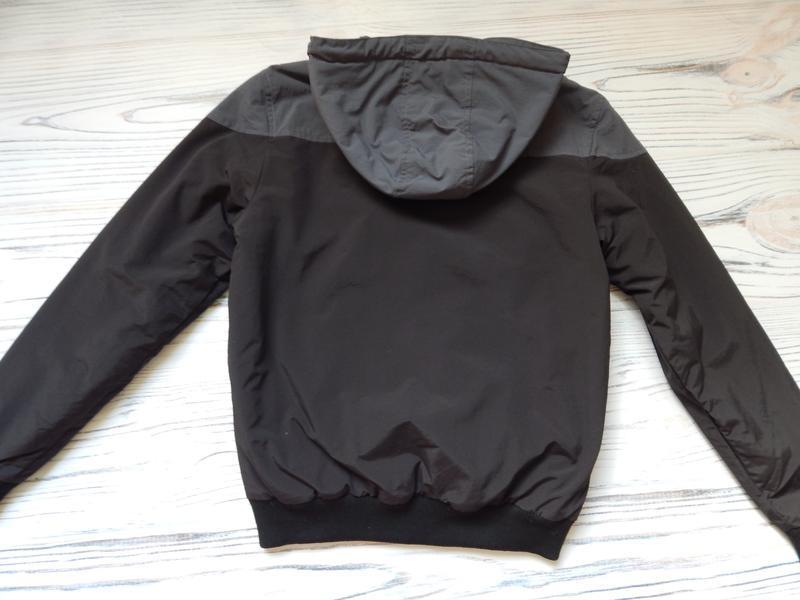 Бомбезная, стильная легкая мужская куртка от известного бренда... - Фото 5