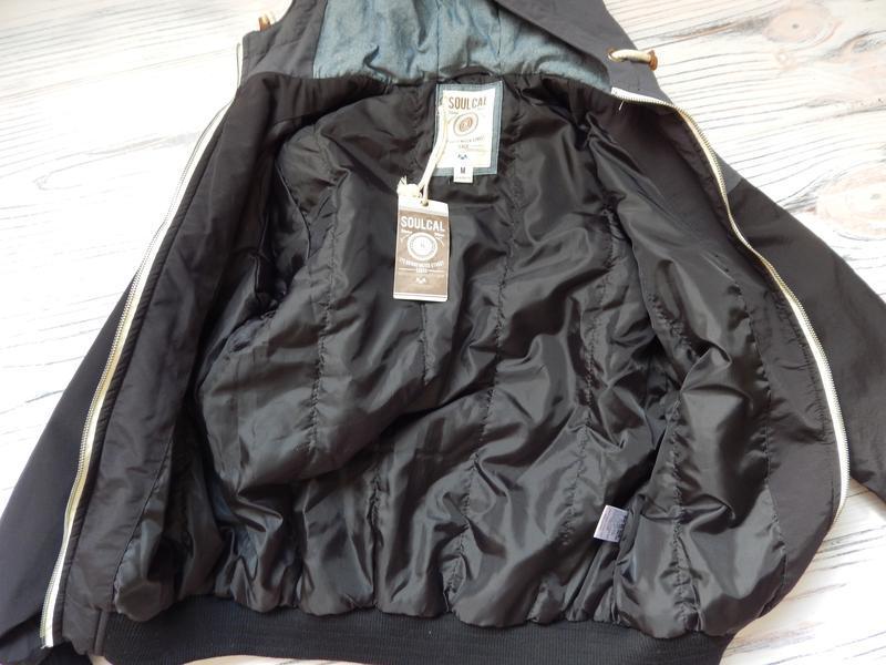 Бомбезная, стильная легкая мужская куртка от известного бренда... - Фото 7