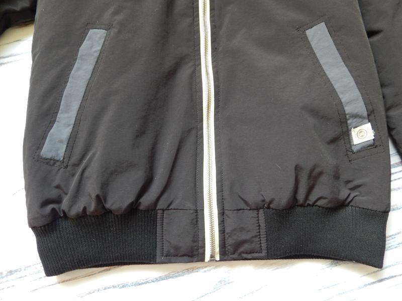 Бомбезная, стильная легкая мужская куртка от известного бренда... - Фото 8