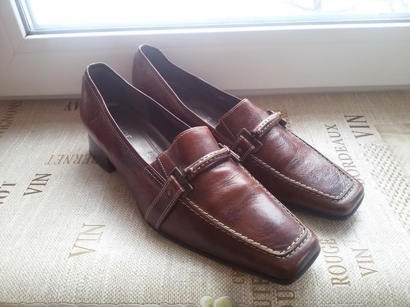 Стильные  кожанные туфли 39,5р. gabor германия.
