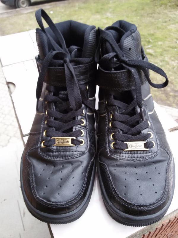 Высокие ботинки-кеды buftalo 42р