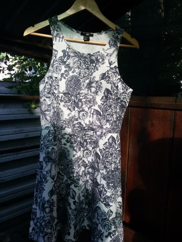 Шикарное платье н&м. размер м.