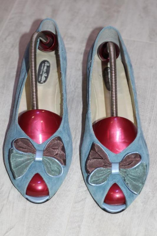 Шикарные замшевые туфли romeo bettini