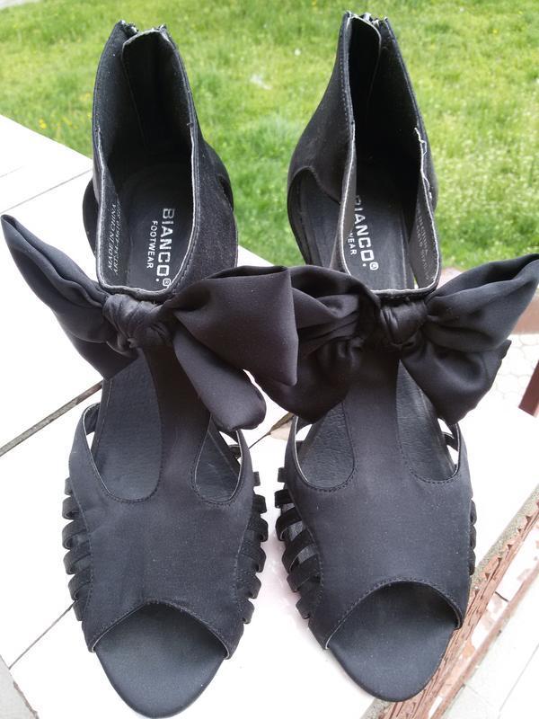 Шикарные и cтильные босоножки biango footwear