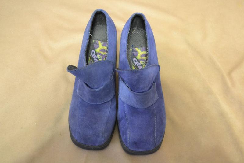 Комфортные фирменные  туфли натуральный замш