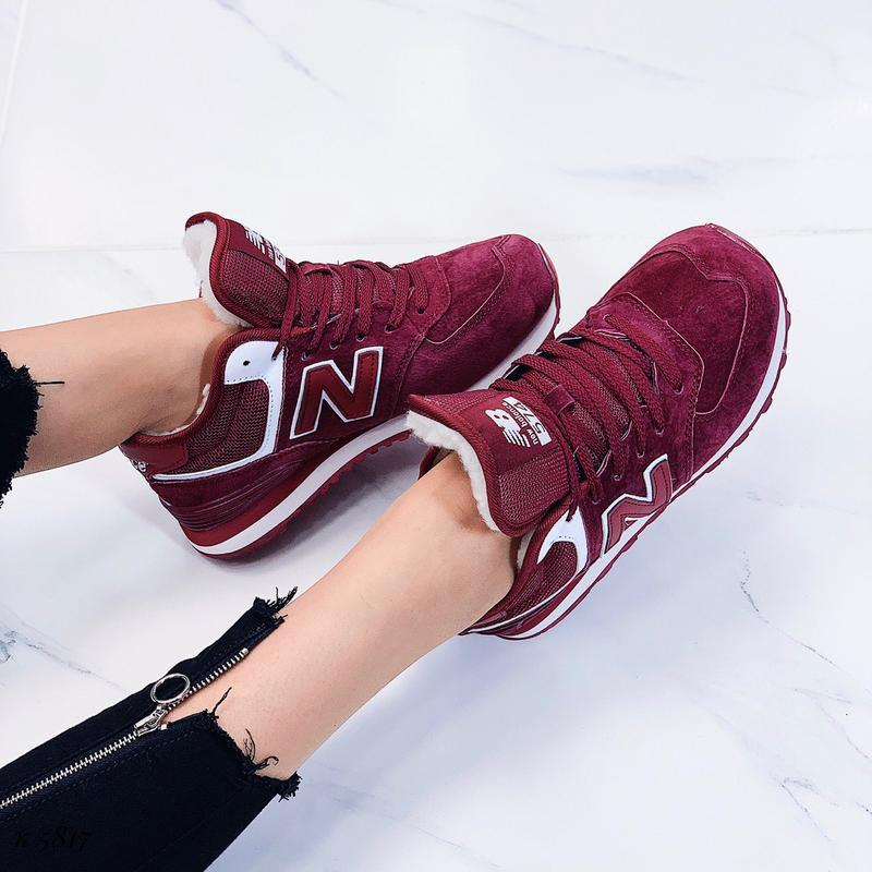 Новые женские зимние кроссовки цвета марсала - Фото 2