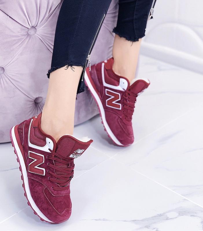 Новые женские зимние кроссовки цвета марсала - Фото 5