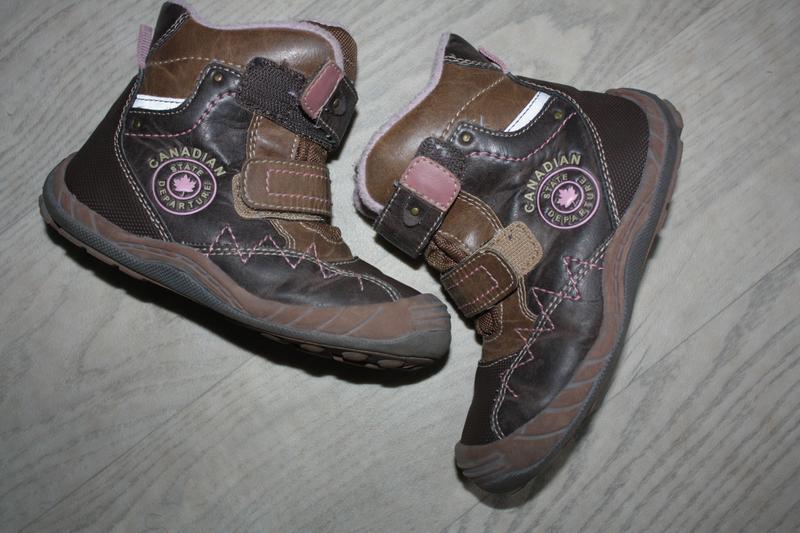 Зимняя фирменная  термо-обувь для девочки р-27(евр 9) отличное...