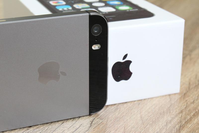 Apple iPhone 5S-32GB Space Gray