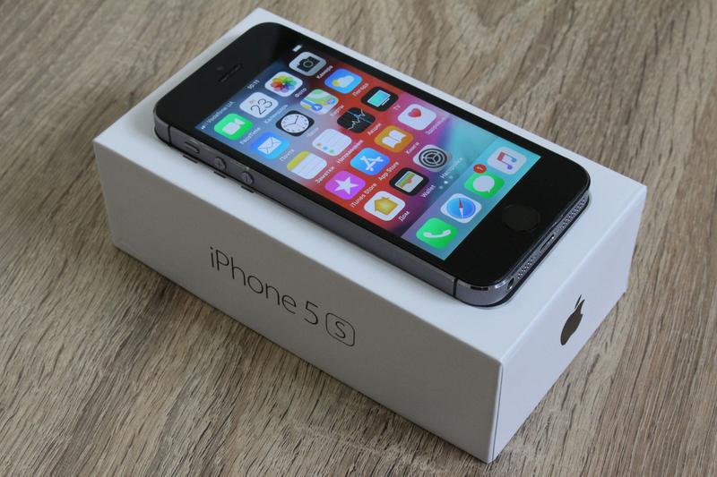 Apple iPhone 5S-32GB Space Gray - Фото 2