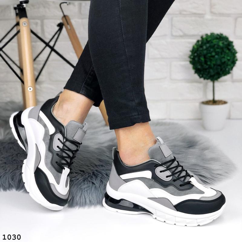 Стильные кроссовки на массивной подошве - Фото 3