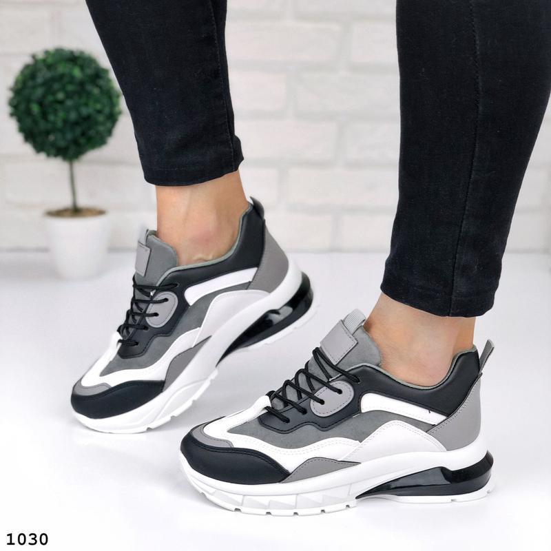 Стильные кроссовки на массивной подошве - Фото 9