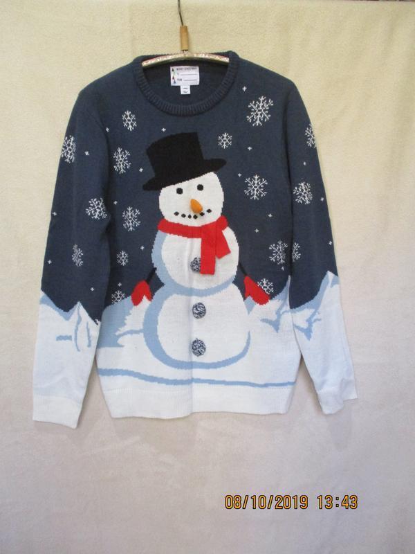 Новогодний свитер со снеговиком