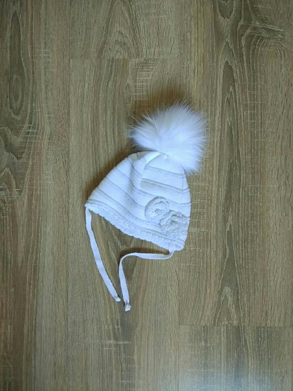 Теплая зимняя шапочка на девочку 0-6 мес., р. 35-40