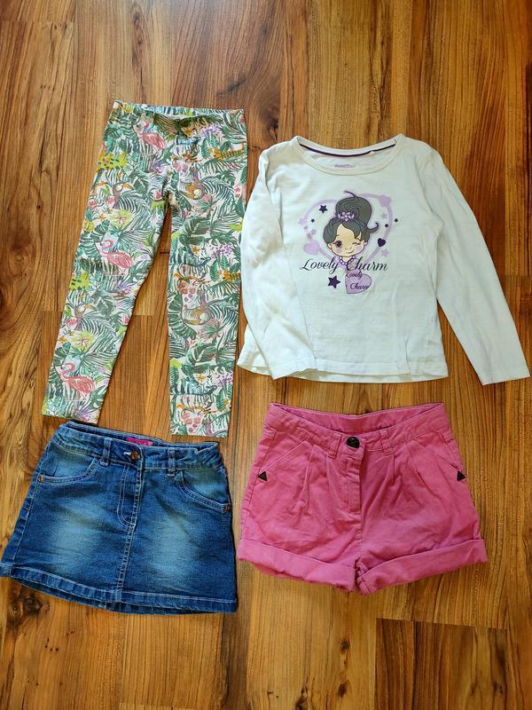 Комплект одежды на 5-6 лет