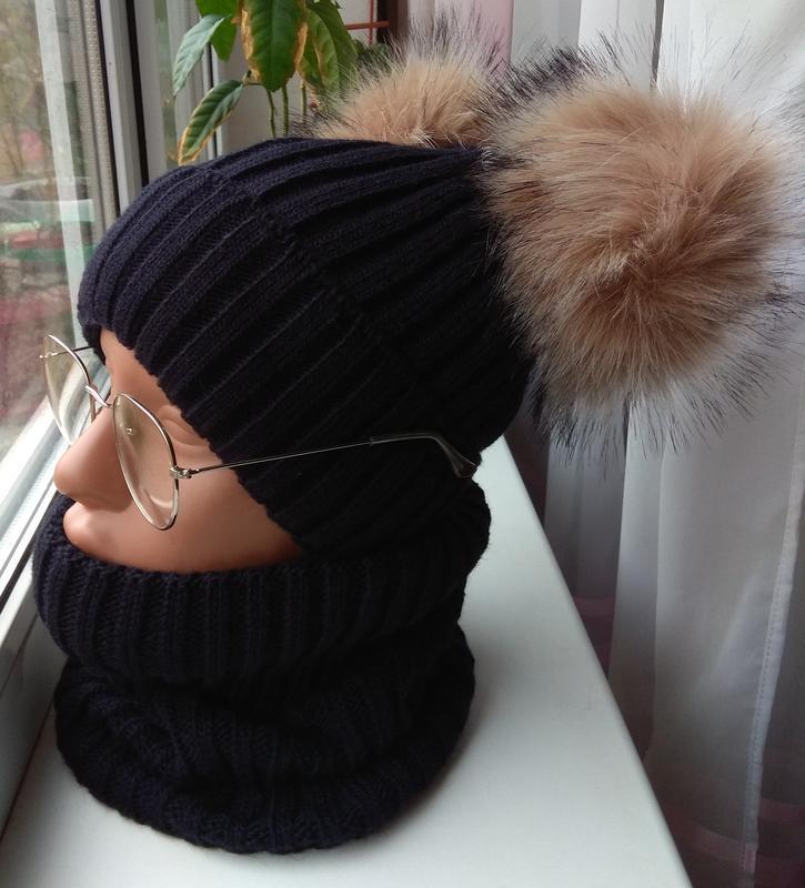 Новый комплект: шапка с двумя бубонами и снуд(полный флис), че...