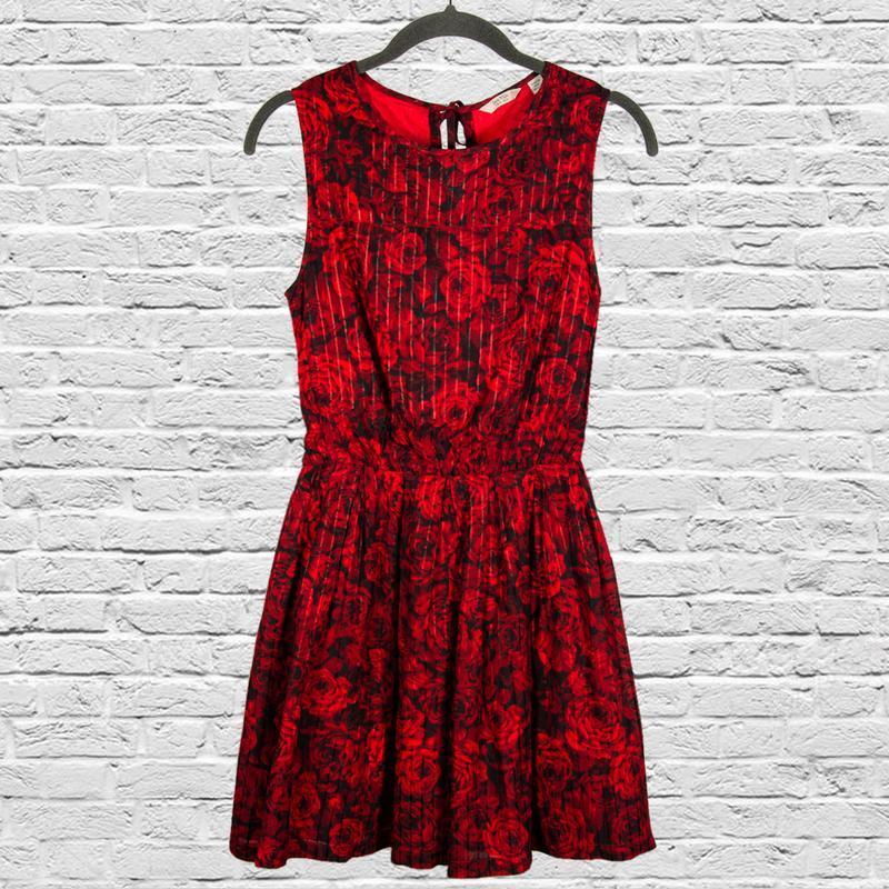 Нарядное платье короткое, пышное платье черное с цветочным при...