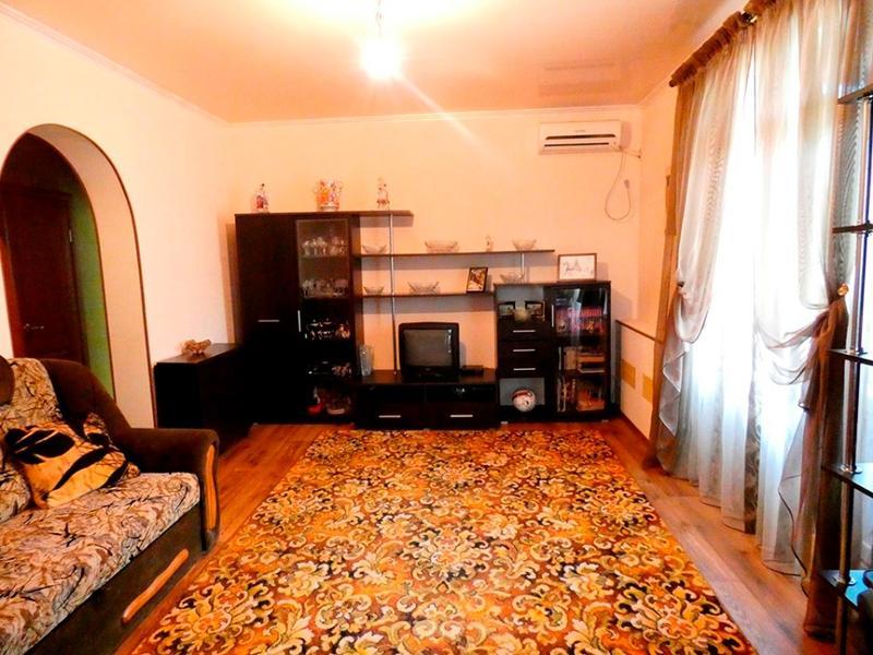 3-х комнатная квартира Сталинка на Карачунах