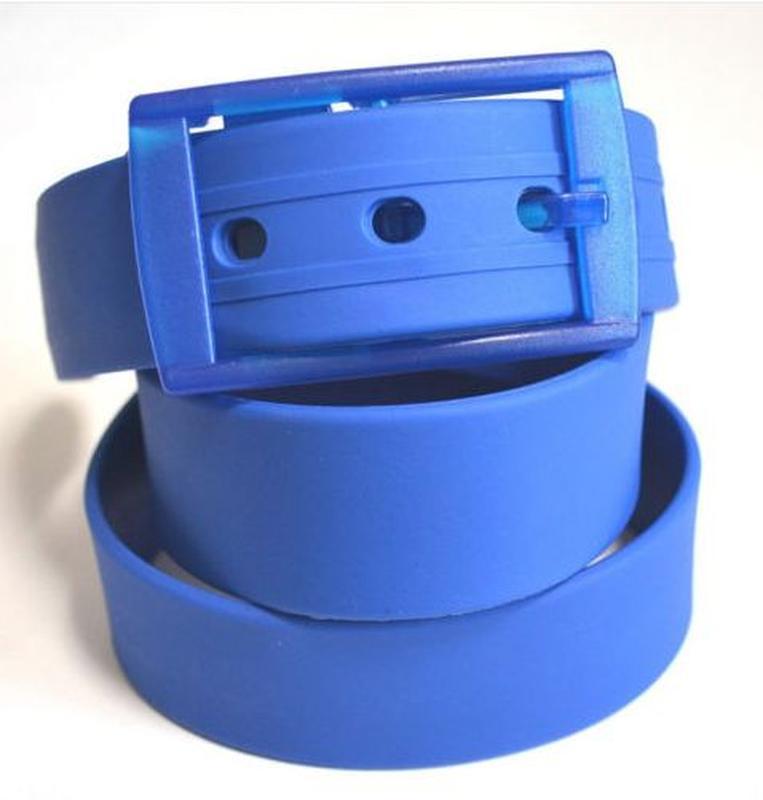 Ремень синий силиконовый на пластиковой пряжке