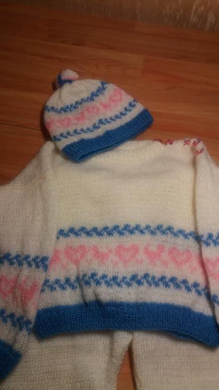 Вязаный детский костюм (кофта, штаны, шапочка,пинетки) Handmade