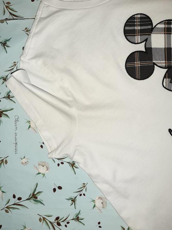 Бесплатная доставка! фирменная белая футболка оверсайз с микки... - Фото 8