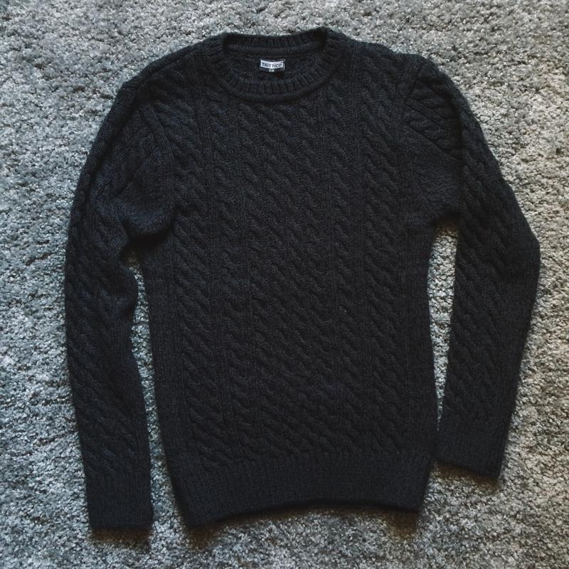 Мужской темно-синий свитер тёплый