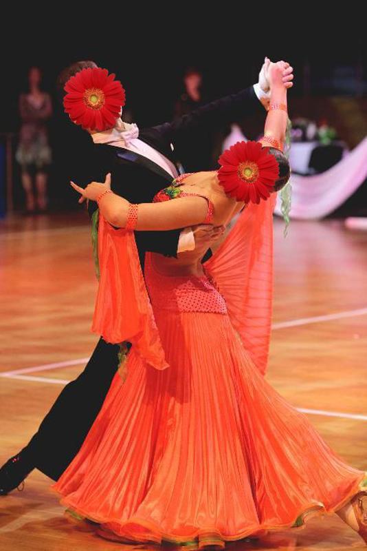 Платье для бальных танцев стандарт с кристаллами Swarovski