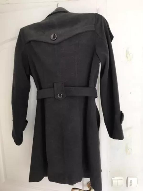 Пальто серое прталенное  женское весна осень