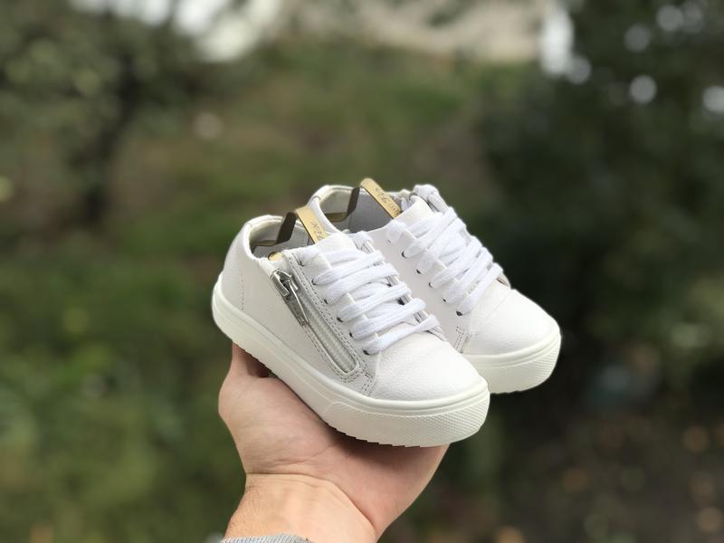 River island дитячі кросівки