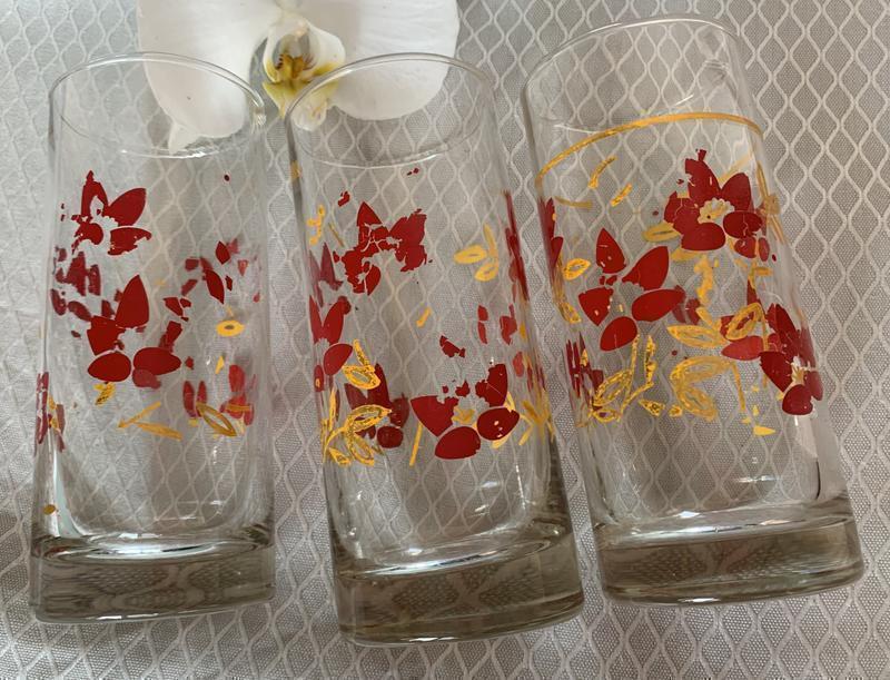 Набор стаканов, стаканы, стакани.