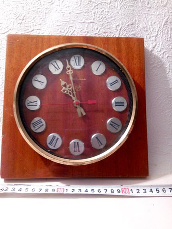 Настенные часы Янтарь СССР.