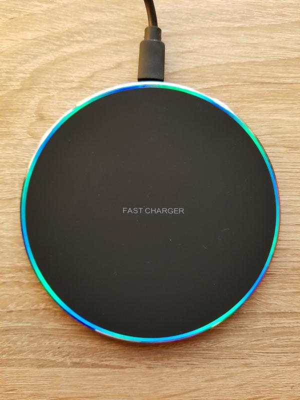 Быстрое беспроводное зарядное устройство Fast Charger.