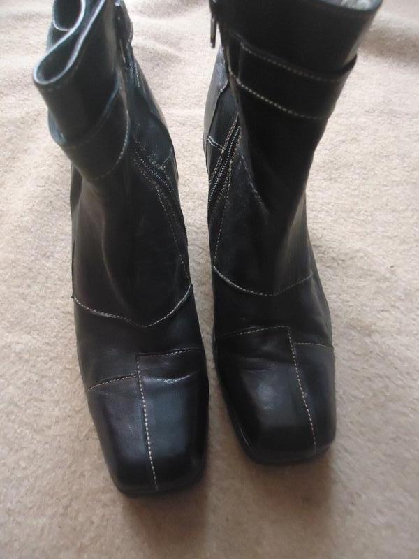 Эксклюзивные кожаные сапоги с оригинальным каблуком eject - Фото 3