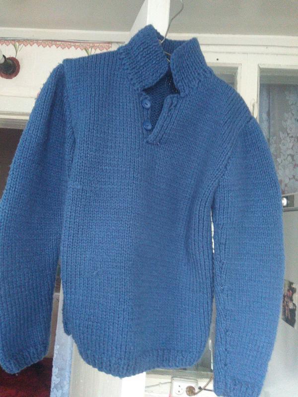 Теплый свитер  детский   крупной  вязки