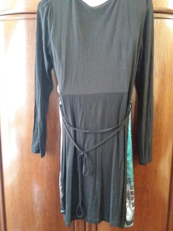 Прямое платье принт-вечерний  город - имитация  запаха-jeans g... - Фото 4