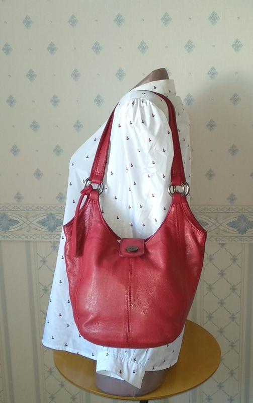 Брендовая сумка из плотной кожи от clarks made in india