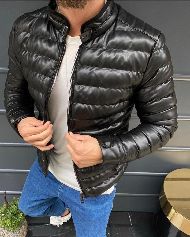 Топовая мужская куртка