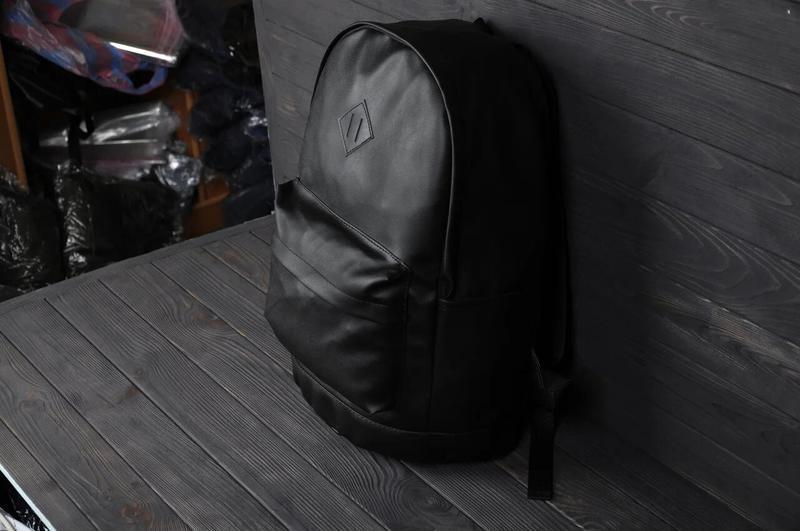 Рюкзак городской кожанный мужской, женский черный - Фото 4