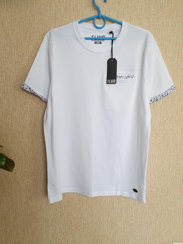 Белоснежная футболка с карманом на груди fluid
