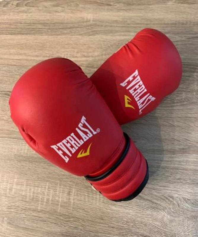 Боксёрские перчатки EVERLAST Pro fight кожа+ щитки в подарок