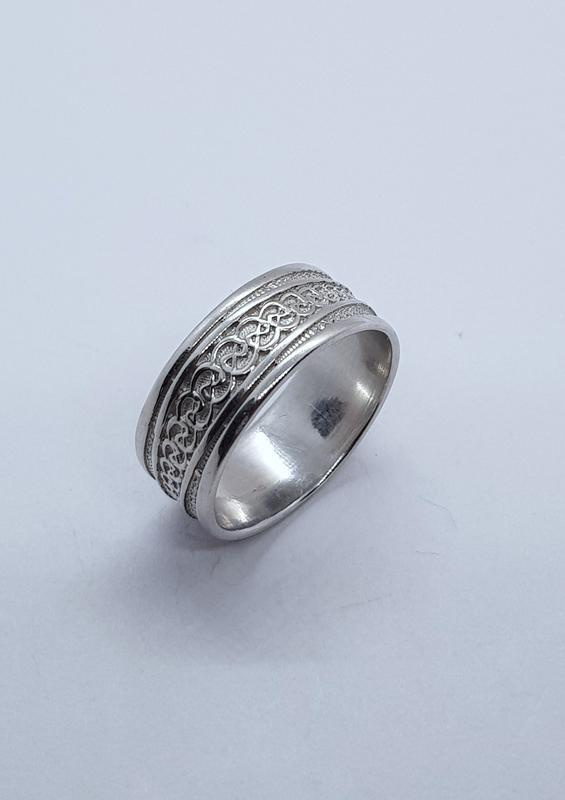 Серебряное кольцо 925 проба,  19 размер