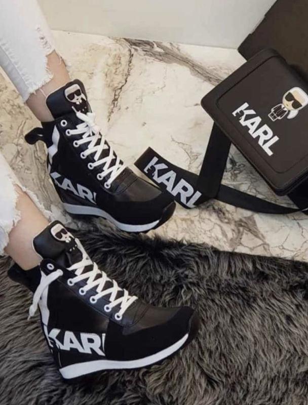Новые женские кроссовки- сникерсы karl lagerfeld.